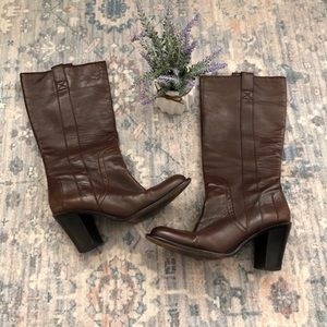 Banana Republic Brown Leather Pull-On Boots
